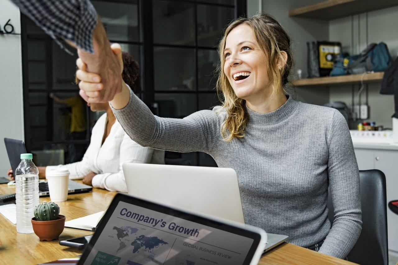 Forceder plano de saude para seus colaboradores pode ajudar na retenção de talentos na sua empresa.