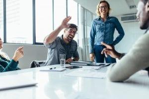 Entenda a importância de adaptar o ambiente de trabalho às pessoas