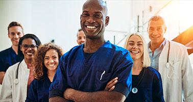 Icone Acesso a consultas, exames, procedimentos cirúrgicos, seguro internação, descontos em farmácias e muito mais.